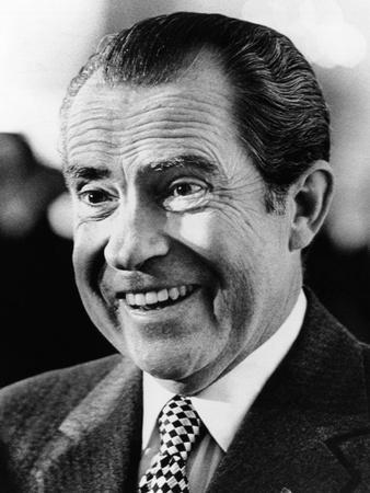 president-richard-nixon-smiling-broadly_a-L-9361392-8363144.jpg